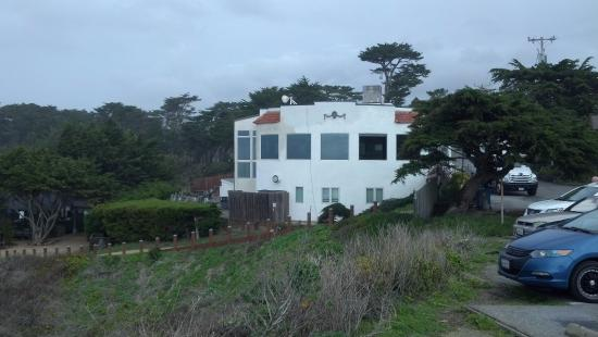 Moss Beach, CA: The Ocean Side of the Distillery Restaurant
