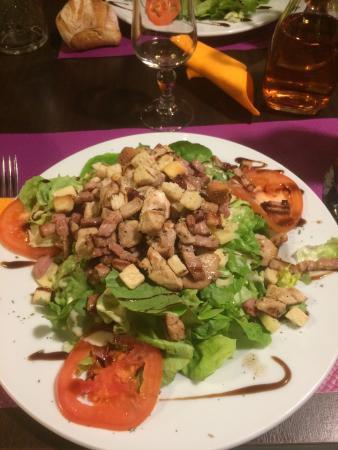 Gigean, Francia: salade césar ! Copieuse et très bonne