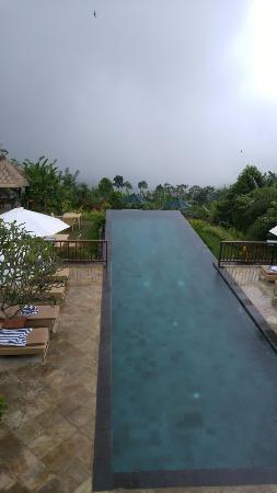 Munduk Moding Plantation: Fantastic cloud infinity pool