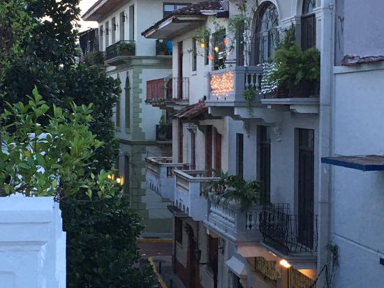 Las Clementinas Hotel: Charming Street View from private Balcony
