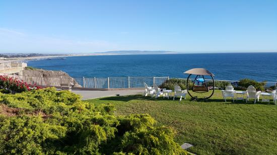 BEST WESTERN PLUS Shore Cliff Lodge: Wonderful views from well kept grounds