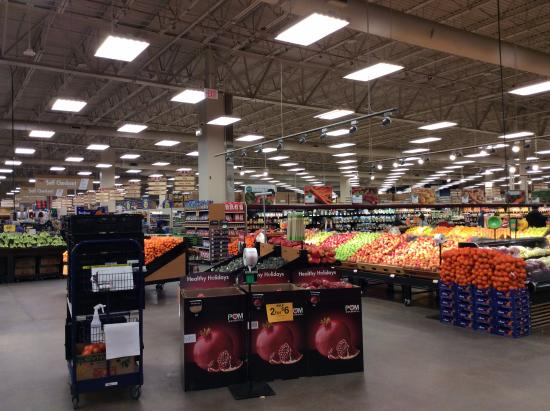 Pike's Waterfront Lodge: Fred Meyer for food