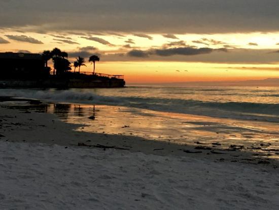 Tropical Beach Resorts: photo6.jpg