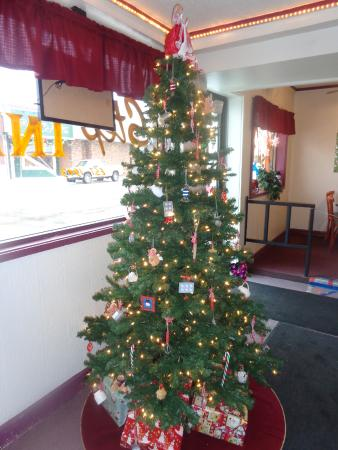 Cheboygan, MI: Kitchen themed Christmas tree at Step Inn