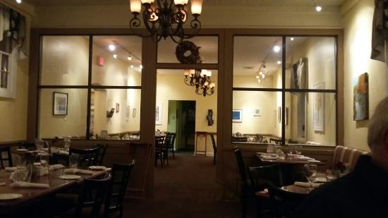 Madison Inn: A view of the dining room