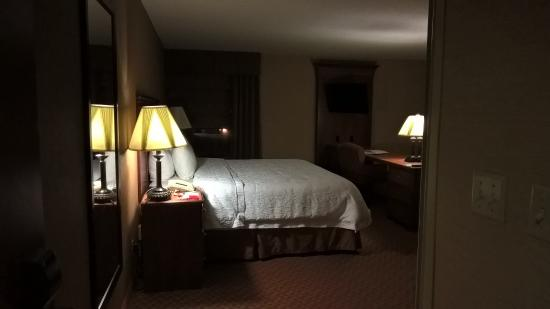 Hampton Inn Peoria-East At The River Boat Crossing: Entry into room