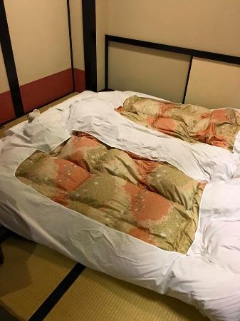 The Edo Sakura: After laying out the futons