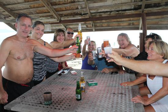 خليج سيمبسون, سانت مارتن: CHEERS!!!!!
