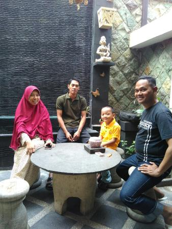 Mataram Hotel: IMG_20150815_092507_large.jpg