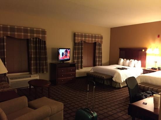 Hampton Inn and Suites Lake City: My room