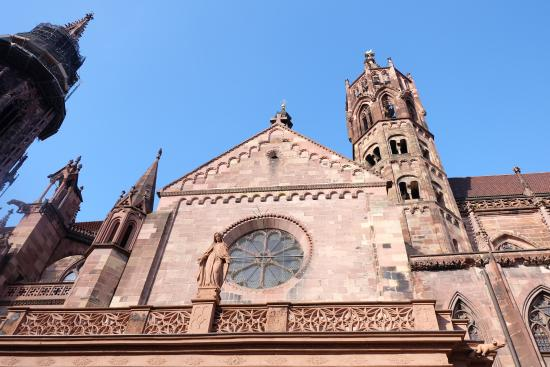 Freiburg Cathedral: โบสถ์