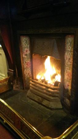 Lawlor's Hotel Dungarvan: View from the 3rd floor and the fire where we enjoyed sitting to have a drink on a rainy afterno