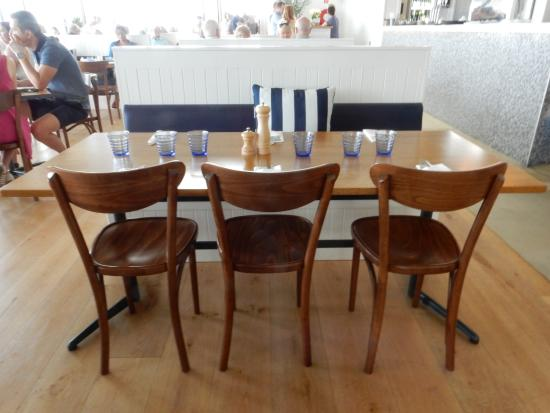 Trigg, Australien: Restaurant seating