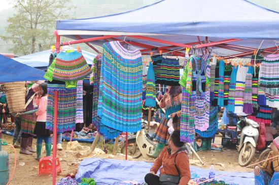 Can Cau Market: Can Cau