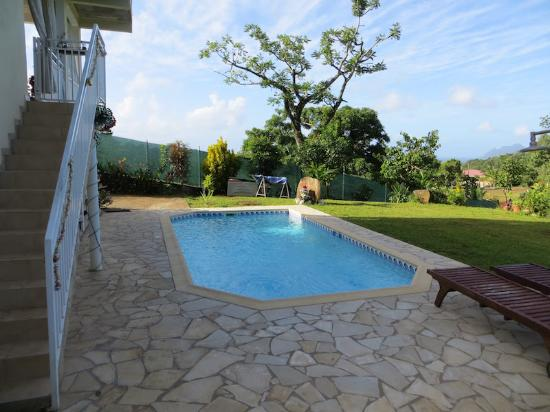 Riviere-Salee, مارتينيك: La piscine, plus fraîche que la mer mais très agréable tout de même