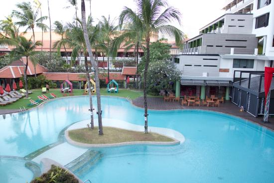 Patong Beach Hotel: Main pool view from room 1359