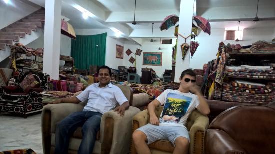Manish At Factory Picture Of Ganesh Handicrafts Jodhpur Tripadvisor