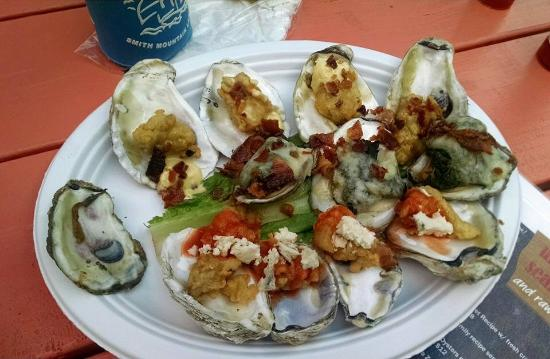 Urbanna, VA: Oysters three way