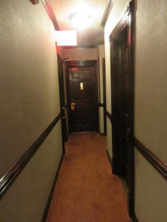 Hotel 17: Corredor