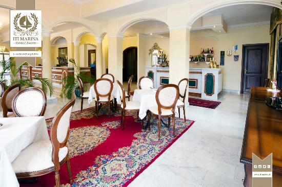 Grand Hotel President : Bar