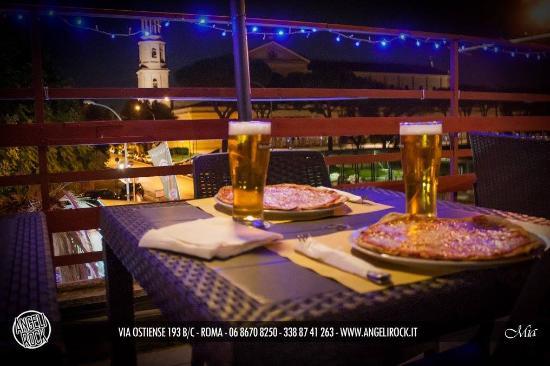 Pizza In Terrazza Panoramica Picture Of Angeli Rock Rome