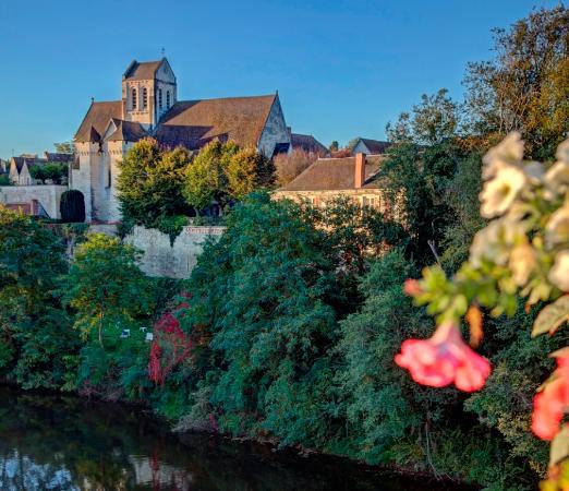 La Roche-Posay, Frankrike: Entre Eglise et Creuse...