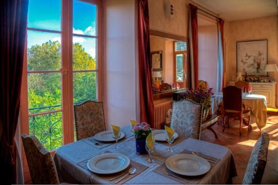 La Roche-Posay, Frankrike: L'espace Repas dominant la Creuse