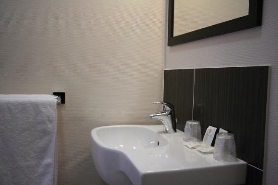 Marguerite d'Anjou : Salle de bain chambre premium