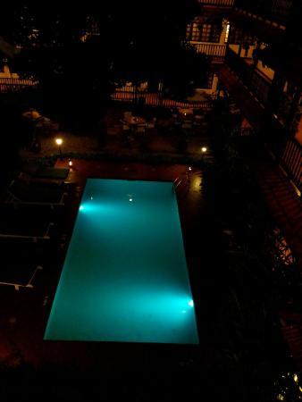 Protea Hotel Courtyard: IMG_20160107_192549_large.jpg