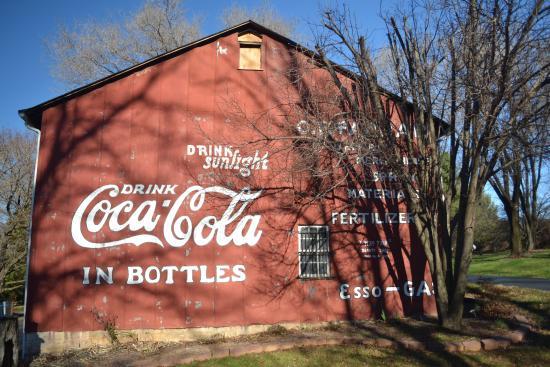 Afton, VA: Barn / Brewery