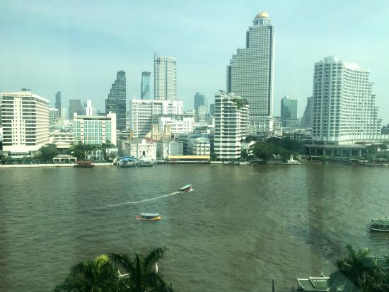 The Peninsula Bangkok: Great view from our room