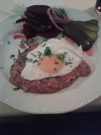 Kleines Labskaus als Vorspeise - Bild von Brodersen Restaurant ...
