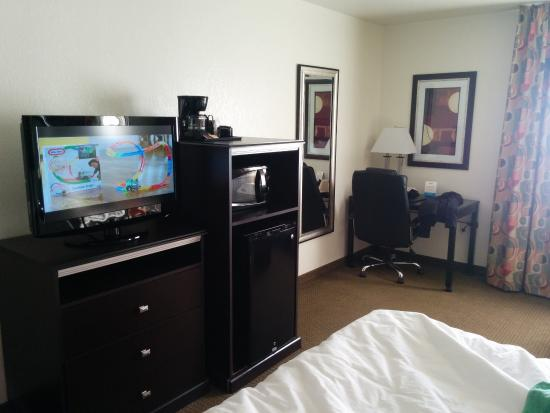 Quality Inn & Suites Denver International Airport: room
