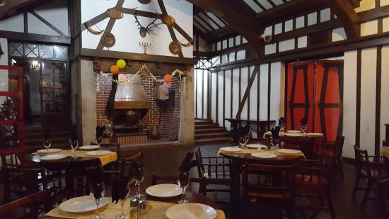 El Conejito: Декор ресторана лучше еды
