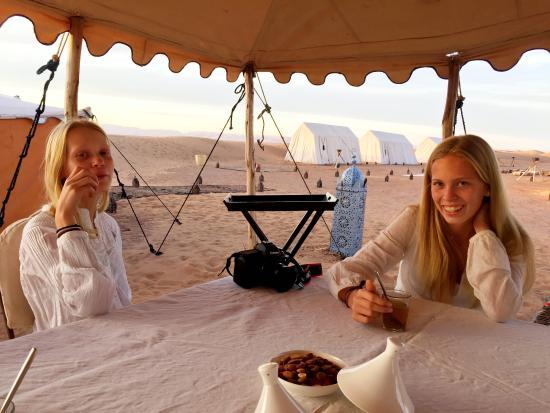 Zamzam Riad: Breakfast at Adounia