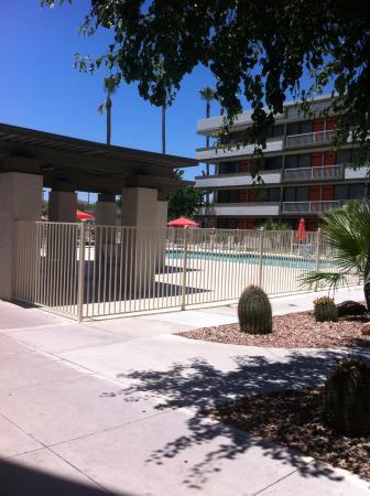 Clarion Hotel Phoenix-Chandler: Pool area