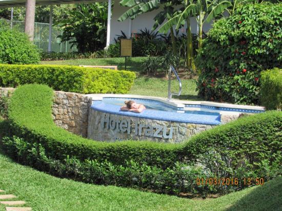 BEST WESTERN Irazu: Hot Tub