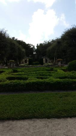 Vizcaya Museum and Gardens: 20151231_124341_large.jpg