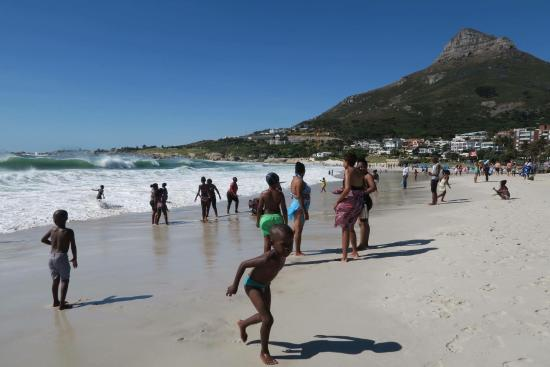 Camp's Bay Beach: Locals enjoying Christmas