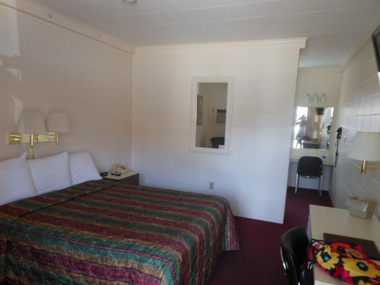 Butte, Монтана: Motor Lodge Room