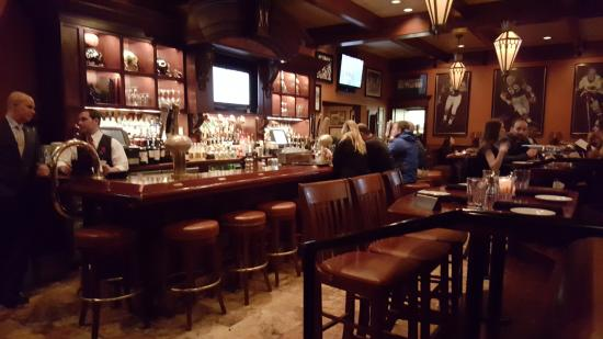 Mike Ditka's Restaurant : The bar area of the restaurant