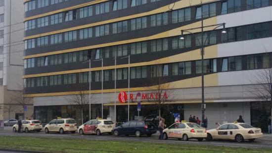 Ramada Hotel Berlin-Alexanderplatz: Modernes Hotel verkehrsgünstig gelegen