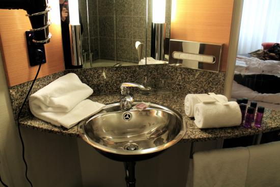Innside Premium Hotels Berlin: Beautiful bathroom