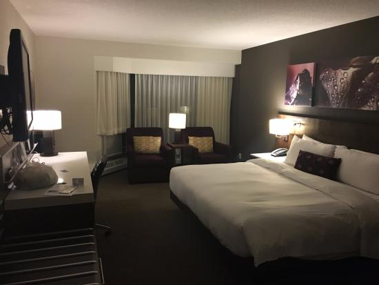 Delta Lodge at Kananaskis: King bed, Club Level Guest Room