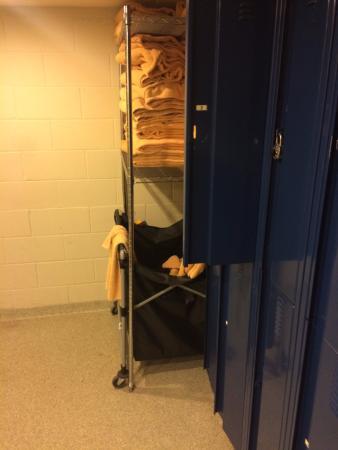 lockers and towels picture of kalola life in balance spa blue rh tripadvisor ca