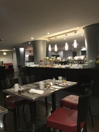Hotel Concorde Montparnasse: Buffet