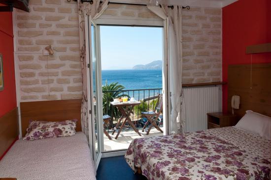 Hotel Port Helene : Chambre triple
