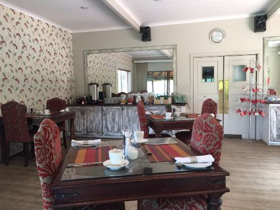 La Roca Guest House: Dining Area