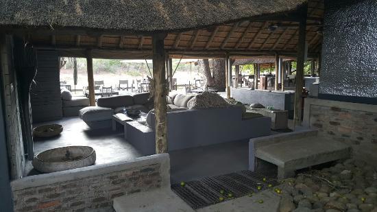 Simbavati River Lodge: KRUGER PARK Simbavati River Antonio Addamiano & Amanda Nicoli 10 January 2016