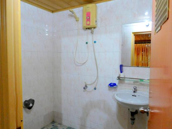 The Bright Lotus : Bathroom